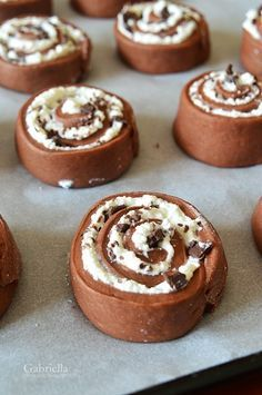 Gabriella's Adventures in the Kitchen :): Tvarohový šnek Cake Recipes, Dessert Recipes, Hungarian Recipes, Sweets Cake, Dessert Drinks, Sweet Desserts, Creative Cakes, Winter Food, Love Food