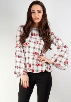 Lady, Floral Tops, Women, Fashion, Moda, Top Flowers, Fashion Styles, Fashion Illustrations, Woman