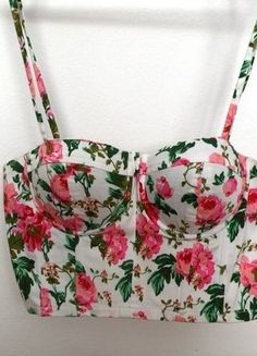 #vintedpl http://www.vinted.pl/damska-odziez/bluzki-bez-rekawow/15117683-bralet-gorset-kwiaty-floral-36