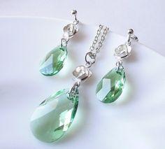wedding jewelry set, swarovski crystal set, wedding necklace earrings set, bridesmaid jewelry set. $48.00, via Etsy.