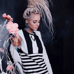Dreadlook styles are more popular than ever. Mostly associated with the Eastern and Western cultures, these hairstyles have now crossed the boundaries to..