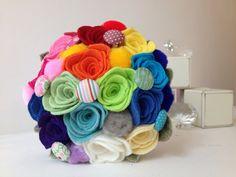Маленькая ручная альтернатива Свадебный букет из радуги чувствовал розы с кнопкой подробно