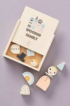 This printed set of beech wood blocks features a variety of family members and faces with plenty of charm to spare. Diy Sensory Board, Baby Sleepers, Montessori Toys, My Little Baby, Wood Toys, Infant Activities, Baby Bottles, Baby Shop, Diy Toys