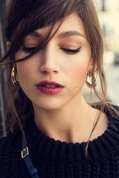 Cute Beauty, Beauty Make Up, Hair Beauty, Celebrity Faces, Dark Photography, Famous Women, Beautiful Celebrities, Woman Face, Makeup Inspiration