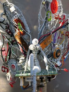 'Cyber Fairy' – Sculpture Made of Wire and Found Objects | Art
