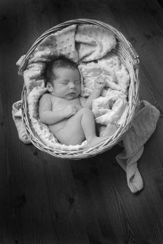 Anne Geddes noir et blanc nouveau né