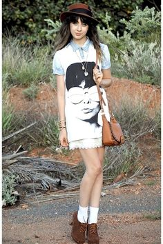 White ankle socks with brown heel shoes, little lace skirt with printed shirt