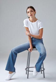 High-Waisted Wide-Leg Jeans - Flare + Bootcut Jeans - 2000156254 - Forever 21 EU English