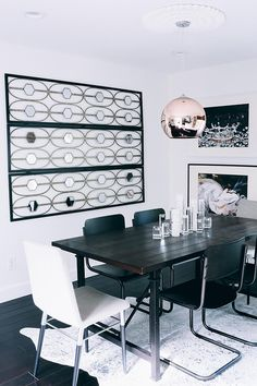 Touring Miranda Frye's Monochromatic Home on Glitter Guide with Rugs USA's Serendipity Devour Cowhide Rug! New Living Room, Living Room Decor, Black And White Dining Room, Light Grey Walls, Rugs Usa, Home Studio, Industrial Chic, My Dream Home, Furniture Decor