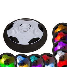 Das Hoover Board ist längst bekannt und jetzt ist diese schwebende Technik auch als Fußballspiel erhältlich. Auf fast jeder glatten Oberfläche schwebt diese Fußballscheibe wie auf einem Luftkissen über den Boden. Das funktioniert auf Teppich, Parkett oder Rasen. Der leichte Luftstrom an der Unterseite wird durch die 4 Batterien angetrieben und verhindert das vollständige Aufsetzen auf dem Boden. Einfach leicht gegen den Ball treten, dieser schwebt dann durch den Raum bis er gegen ein…