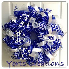 Zeta Phi Beta Wreath Phi Beta Sigma, Alpha Chi, Sports Wreaths, Mesh Wreaths, Craft Projects, Projects To Try, Divine Nine, Sorority And Fraternity, Greek Life