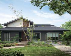 屋根 平瓦 イメージ(シャーウッド) Japan Modern House, Modern House Plans, Classic House Design, Dream Home Design, Style At Home, Zen Design Interior, Traditional Japanese House, Sims House, Facade House