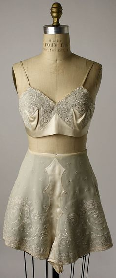 Bra and Pettipants, belonged to Mrs. Herbert Sage Mesick: early 1920's, Chinese, silk, linen.