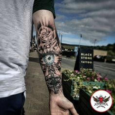Future tattoos, tattoos for guys, girl tattoos, tatoos, forearm sle Forarm Tattoos, Forearm Tattoo Men, Leg Tattoos, Body Art Tattoos, Tattos, Rib Tattoos For Guys, Forearm Sleeve, Tattoo Modern, Unique Tattoos