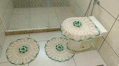 Jogo de Banheiro de Crochê 3 peças R$ 60,00 ( cor a critério do cliente)