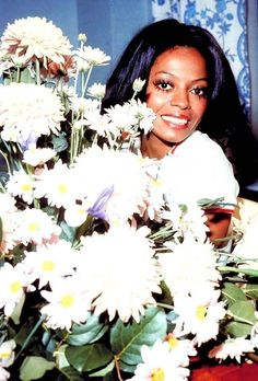 Diana Ross Supremes, Vintage Black Glamour, Black Actresses, Fun Shots, Motown, Flower Power, Diva, The Past, Boss