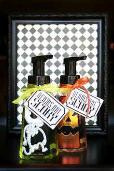 Quick little Halloween gift -- great for teachers, neighbors or friends or as a party favor. Bath and Body Works Halloween foam soap