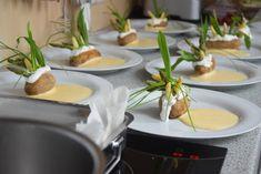 Ostersonntagmenü – Küchenereignisse Kraut, Table Settings, Rocket Salad, Fungi, Easter, Rezepte, Table Top Decorations, Place Settings, Dinner Table Settings