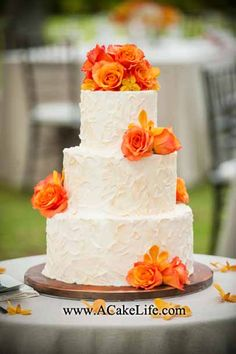 Rustic Texture Buttercream Wedding Cake- I like the orange hints in the frosting. This is the exact cake I want! Fall Wedding Cakes, Wedding Cake Designs, Wedding Cupcakes, Orange Wedding Cakes, Autumn Wedding, Purple Wedding Flowers, Wedding Colors, Pretty Cakes, Beautiful Cakes