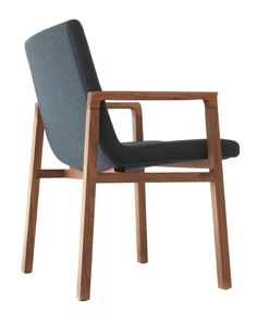Cadeira Gio / Gio Chair. Design by Jader Almeida.
