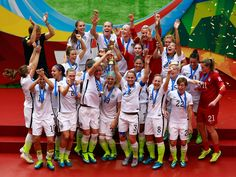USA Women's Soccer defeats defending champions Japan to win the 2015 FIFA Women's World Cup. Girls Soccer Team, Usa Soccer Team, Play Soccer, Team Usa, Soccer Players, A Team, Soccer Goalie, Soccer Stuff, Messi