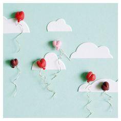 ♪ ♫ 99 balloons on their way to the horizon... ♫ ♪
