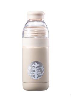 Starbucks Korea 2017 Christmas Limited Edition Winter fox handle mug Copo Starbucks, Starbucks Tumbler Cup, Starbucks Drinks, Starbucks Coffee, Coffee Drinks, Glitter Water Bottles, Cute Water Bottles, Vacuum Cup, Cute Cups