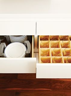 Minimize cooking time and maximize family time with these smart kitchen storage ideas.