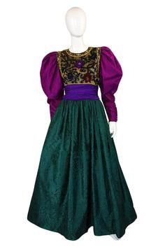 1980s Oscar De La Renta Silk Ball Gown for sale @ Galerie Beau Site