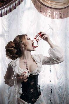 Vampire drinking blood - Dark - A-Z Finance Plan (For Life) Vampire Love, Gothic Vampire, Vampire Art, Dark Fantasy Art, Fantasy Girl, Dark Beauty, Gothic Beauty, Darkness Girl, Vampire Masquerade