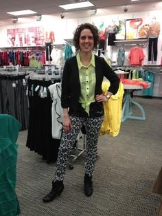 Wow Sarah can pull of those amazing printed jeggings like no other! <3 lets hear what you think!