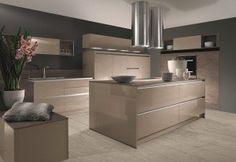 image Kitchen Cabinet Design, Modern Kitchen Design, Kitchen Cabinets, Küchen Design, Cool Kitchens, Bungalow, Kitchen Island, Sweet Home, Indoor