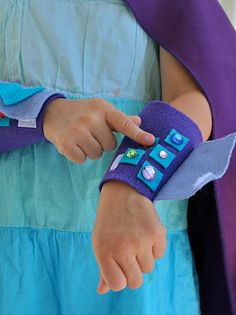Buggie and Jellybean: Superhero Blaster Cuffs {Tutorial}