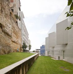 Álvaro Siza, Montse Zamorano · Terraces of Braganza · Divisare