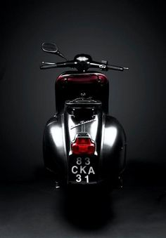 แนวนี้ก็มา scooter by vespa - PintoPin Vespa Gts, Piaggio Vespa, Scooters Vespa, Motos Vespa, Lambretta Scooter, Motor Scooters, Vespa Sprint, Vintage Vespa, Retro Scooter