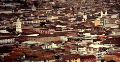 #streetphotography #streetart #city #history #oldtown #architecture #landscape #quito #ecuador #canon #eos #houses #pictureinstagoodb#photographylovers #pictureinstagood #trending #trend #likeforfollow #l4l #followback by fxhracinesphotography