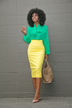 Yellow pencil skirts- a perfect attire for the banging the hearts green tie front blouse + yellow pencil skirt style pantry ybwtfjh Pencil Skirt Casual, Pencil Skirt Outfits, High Waisted Pencil Skirt, Pencil Skirts, Pencil Dresses, Casual Skirts, Work Fashion, Skirt Fashion, Fashion Outfits