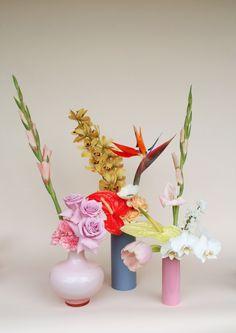 Shop from a wide range of wooden, ceramic flower vase, metal and glass flower vase . Long Metal Vase for Living Room, Home Colorful Flowers, Beautiful Flowers, Flowers Nature, Cut Flowers, Spring Flowers, New Shape, Vase Arrangements, Flower Vases, Planting Flowers