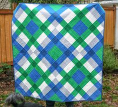 Big block quilts - My January Giant Block Quilt – Big block quilts Quilting Projects, Quilting Designs, Sewing Projects, Quilt Design, Sewing Tips, Big Block Quilts, Quilt Blocks, Star Blocks, Picnic Quilt