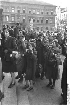 Jews, Budapest, 20. october, 1944. (Bundesarchive)