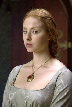 Photo of elizabeth of york for fans of The White Queen BBC. Elizabeth Of York, Princess Elizabeth, The White Queen Starz, Freya Mavor, Anne Neville, Elizabeth Woodville, Philippa Gregory, The White Princess, Wars Of The Roses