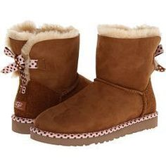 These are like heaven! They keep my feet so warm and comfortable and not even rain seeps through! They are easy to walk in and make being on my feet so comfy! They are also so cute!