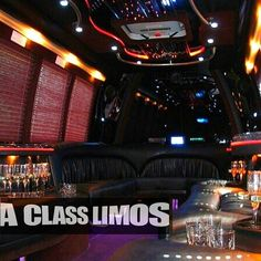 22 passenger limo /party buse. #aclasslimos #privatechauffeur #fortlauderdale #boca #luxurylife #limo #limousine #luxury #wedding #limoservice #partybus #tailgating #dolphins #miamidolphins #homegame #homecoming (at A Class Limos)