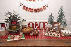 ONEderful ONEderland Lumber Jack theme birthday party << HOUSE of HARPER