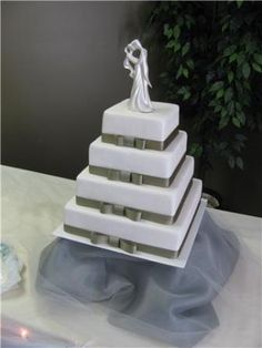 Simple square wedding cake