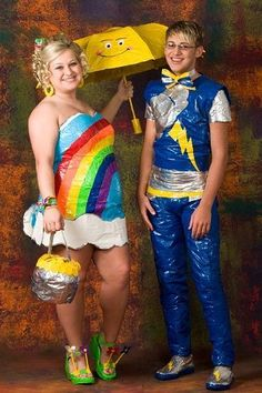 14 Worst Prom Dresses EVER - Check out these pics of terribly horrendous prom outfits.