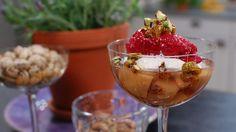 Inkokta nektariner med hallonsorbet