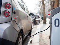 Nova York dará desconto de 2 mil dólares para quem comprar um carro elétrico
