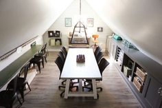"""Keep up to date on the latest news & stories from the host of HGTV's hit remodeling show """"Fixer Upper"""" & owner of the Magnolia Market, Joanna Gaines! Chip Y Joanna Gaines, Estilo Joanna Gaines, Joanna Gaines House, Joanna Gaines Farmhouse, Chip Gaines, Attic Renovation, Attic Remodel, Magnolia Market, Magnolia Homes"""