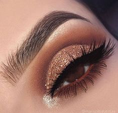 Awesome Eye Makeup Ideas - - Awesome Eye Makeup Ideas Beauty Makeup Hacks Ideas Wedding Makeup Looks for Women Makeup Tips Prom Makeup ideas Cut Natural Makeup Halloween Makeup an. Formal Makeup, Glam Makeup, Makeup Inspo, Eyeshadow Makeup, Makeup Inspiration, Makeup Ideas, Makeup Hacks, Eyeshadow Palette, Beauty Makeup